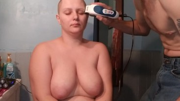 Bald girl getting reshaved naked