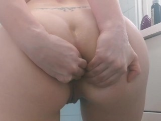 Norwegian pawg solo anal play fist, squirt and spank