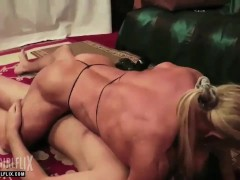 Female Bodybuilder Nude Mixed Wreslting Session