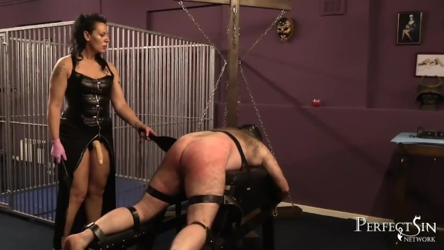 Spanked and Fucked – Dirty Fucking Hole for Mistress Dark Faye