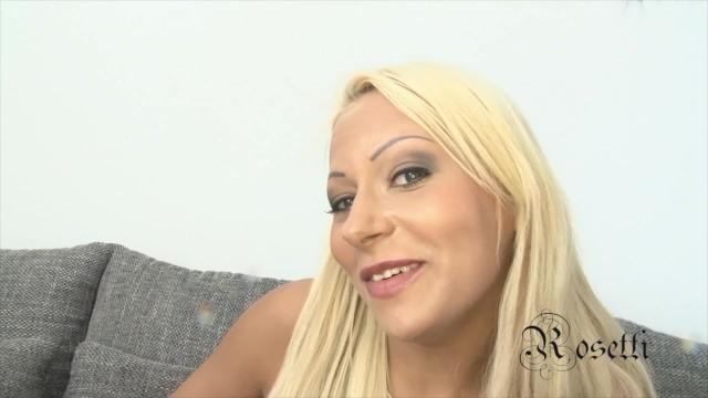 Julie the shy blonde Girl ANAL -FULL- 2