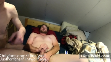 Daddy Cums With Buttplug Inserted (onlyfans.com.Flint-Wolf)