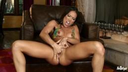 Twistys - Sexy asian Kalina Ryu rubs her clit to orgasm