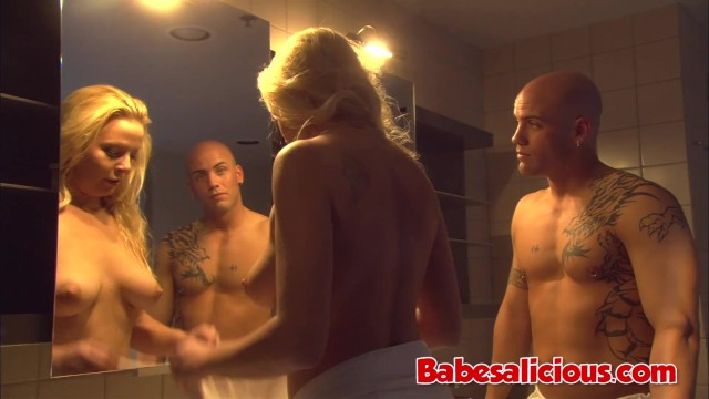 Big Titted Blonde Milf Jacy Andrews Fucked in the Tub for Facial 28