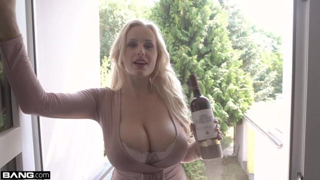 Glamkore – blonde nympho angel wicky anal sex