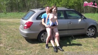 Junge Tramperin - cute tramper slut pays with her body outdoor