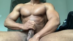 Muscle hunk BBC Jerk in the morning