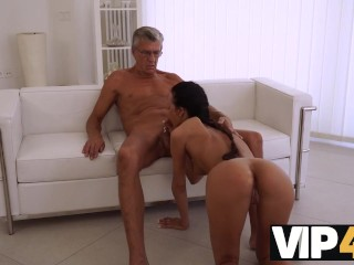 VIP4K. Raven-haired chick uses chance of having sex with superior