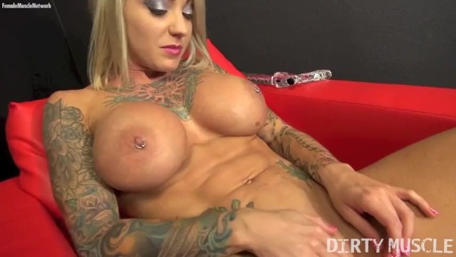 Porn star woman Sexy blonde muscle porn star with big tits