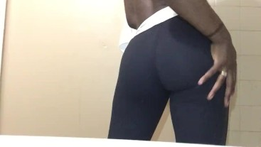 HOT BLACK GIRL STRETCHING IN TIGHT PANTS ;)