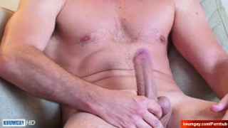 Str8 dad serviced by a guy in a porn ! Hair lollipoptwinks.com