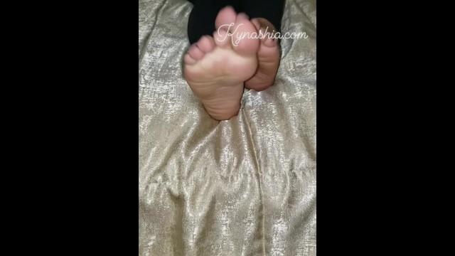 Streaming Gratis Video Nikita Feet Fetish lover ig @KynashiaDoll._ & @kynashiad0ll