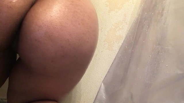 Download Gratis Video Nikita Mirzani Busty Latina Masturbates in Shower