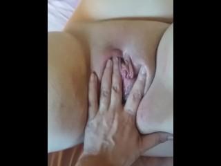 nikita mirzani - fingering her pussy