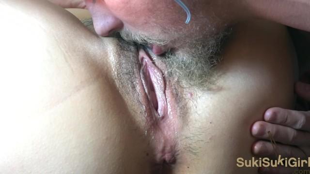 マンコとアナルセックスを舐めることからオーガズム