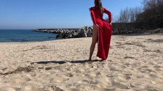 Young beautiful girl fucked me at beach. porno