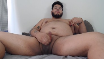 Cub Smelling Pits and Cumming on Webcam