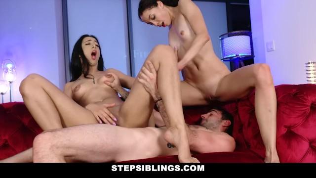 StepSiblings – Slut Sisters Compete For Cock