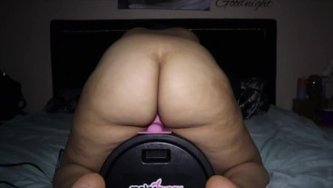 Milf has multiple orgasms on motorbunny