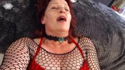 V241 Ravishing redhead rub and pee, with countdown