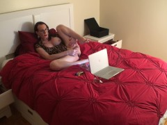 Behind the scenes first orgasm on cam with huge new tits! +toys & cum eat!