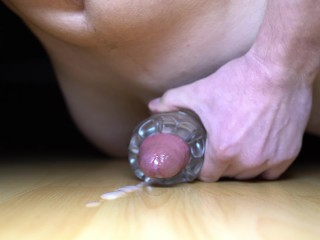 Intense Cumshot in 4K – German Boy fucking Fleshlight on the floor