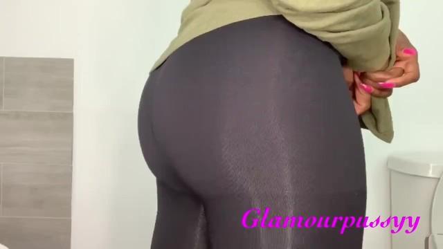 Bubbly Farts in Black Leggings 18