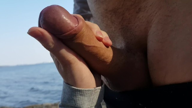 Fucking A Horny Babe in A Public Park - MiniBlondie