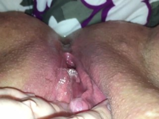 Amateur BBW teasing clit juicy squirt and piss to orgasm with contraction