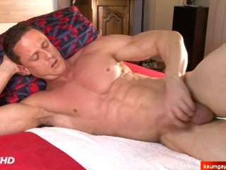 Real serviced his porn by 2 guys...