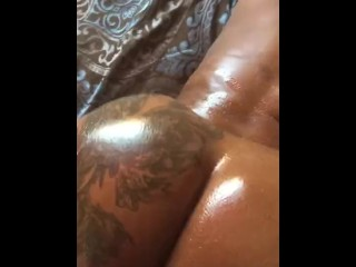 Oiled up booty clap back...