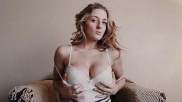 Cumming Home to Her Blowjob - POV GFE -Molly Pills Full