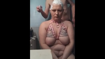 Razoring her bald she wasnt happy