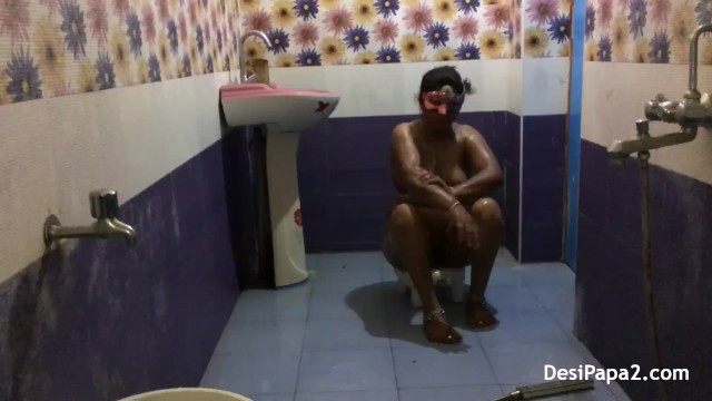 full desi bhabhi sexy in saree dress indian style bathroom fucking in morni 9