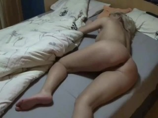My stepbrother fuck me while I'm in bed,  cum on my ass