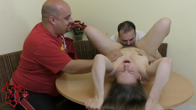 Brother & Dad lick the StepDaughter for hot Orgasm— Family Storys