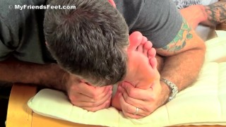 Laurent wants daddy suck all over his foot