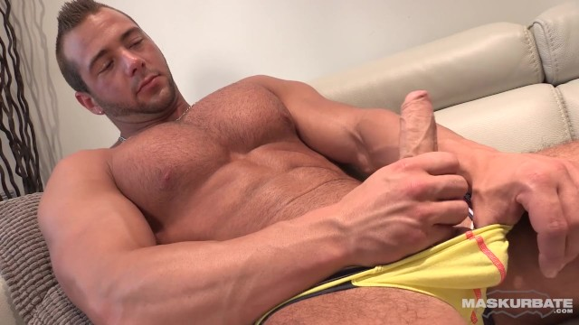 Gay male bodybuilder - Maskurbate french bodybuilder flexes jacks until he cums on abs