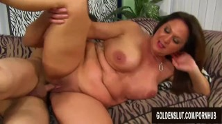 Juicy Mature Leylani Wood Doesnt Mind That Hes Half Her Age