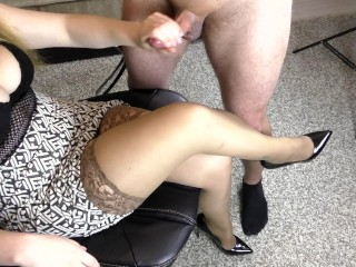 Amateur Teen Step Sis Hadnjob and Cumshot on her Stockings