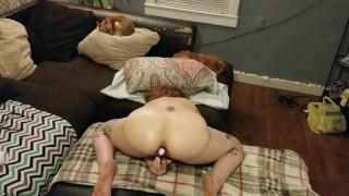 Hustru cums bruge legetøj til DP med mand ser