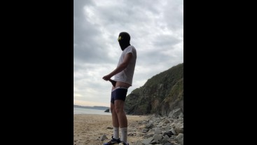 empty BEACH for a GOOD WANK ** phone battery died - No Cumshot **