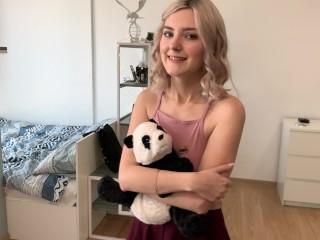 Virgin step sister learns a blowjob on her brother's dick - Eva Elfie