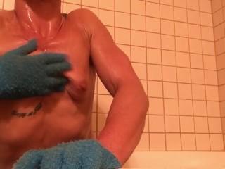 Nikita Mirzani - My scrubbing gloves