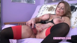 Latina MILF Sandie Marquez fucks her old pussy with a big dong