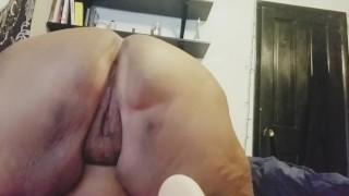 Juicy pussy play