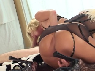 Two Blondes Take Turns Sucking A Cock
