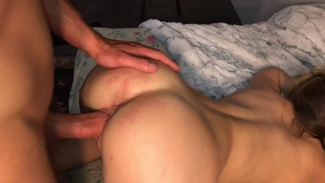 Amateur College Girl gets her Tight Pussy Stretched