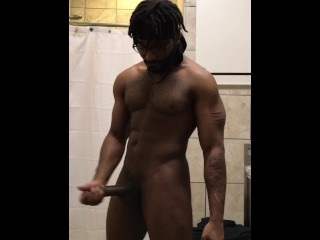 Horny at the gym and I had to jerk off