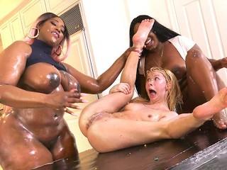 Kenzie Reeves, Jayden Starr & Victoria Cakes Interracial Lesbian Sex sexvid